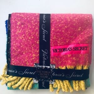 NWT Victoria Secret color block Scarf